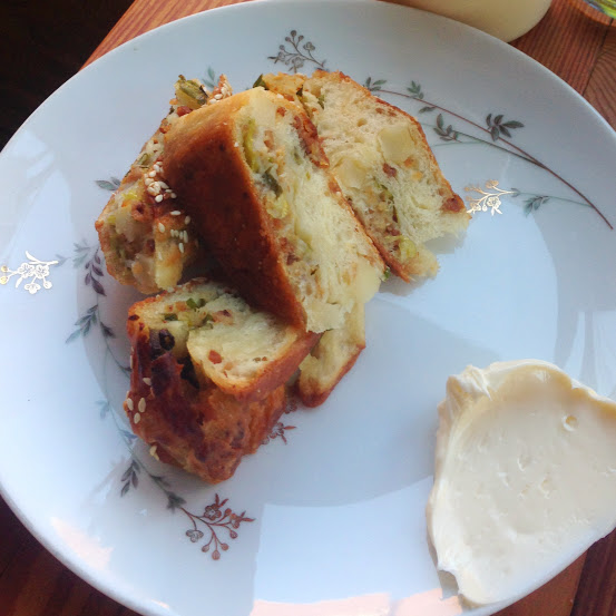 Baked potato bing bread, Parchute