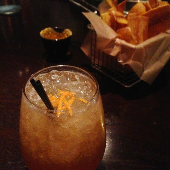 Pisco punch and plantain chips, Tanta