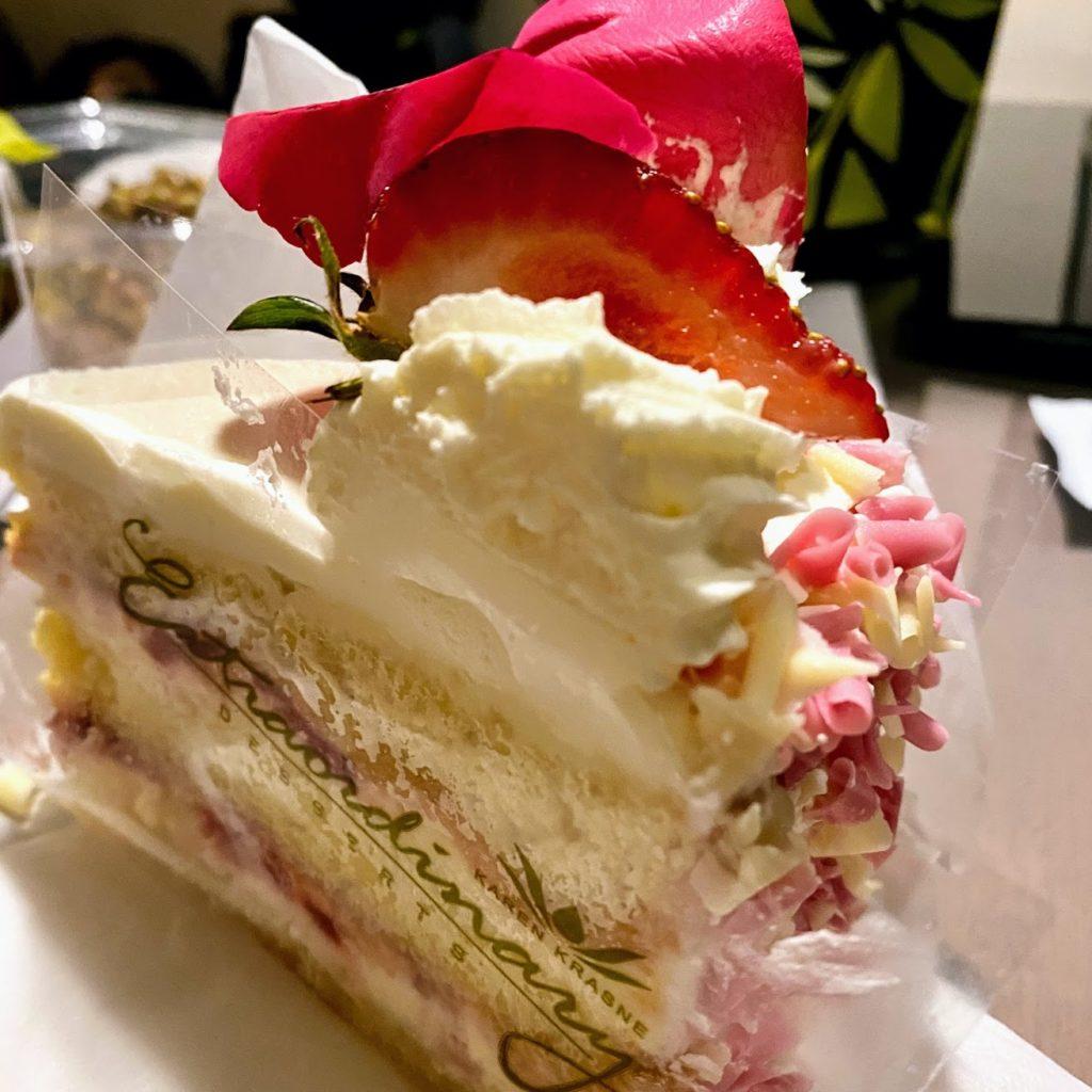 Shangri-La cake slice, Extraordinary Desserts